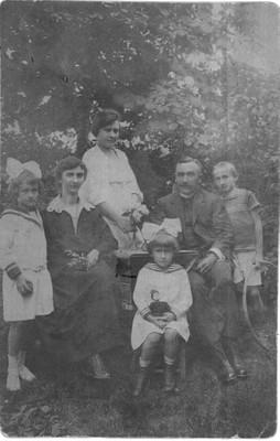 Podhradszky család-1925 - small